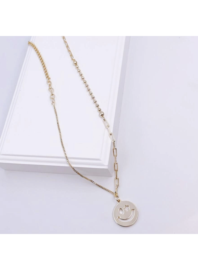 WINK FACE NECKLACE