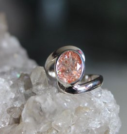 Sunstone Ring with curvy band