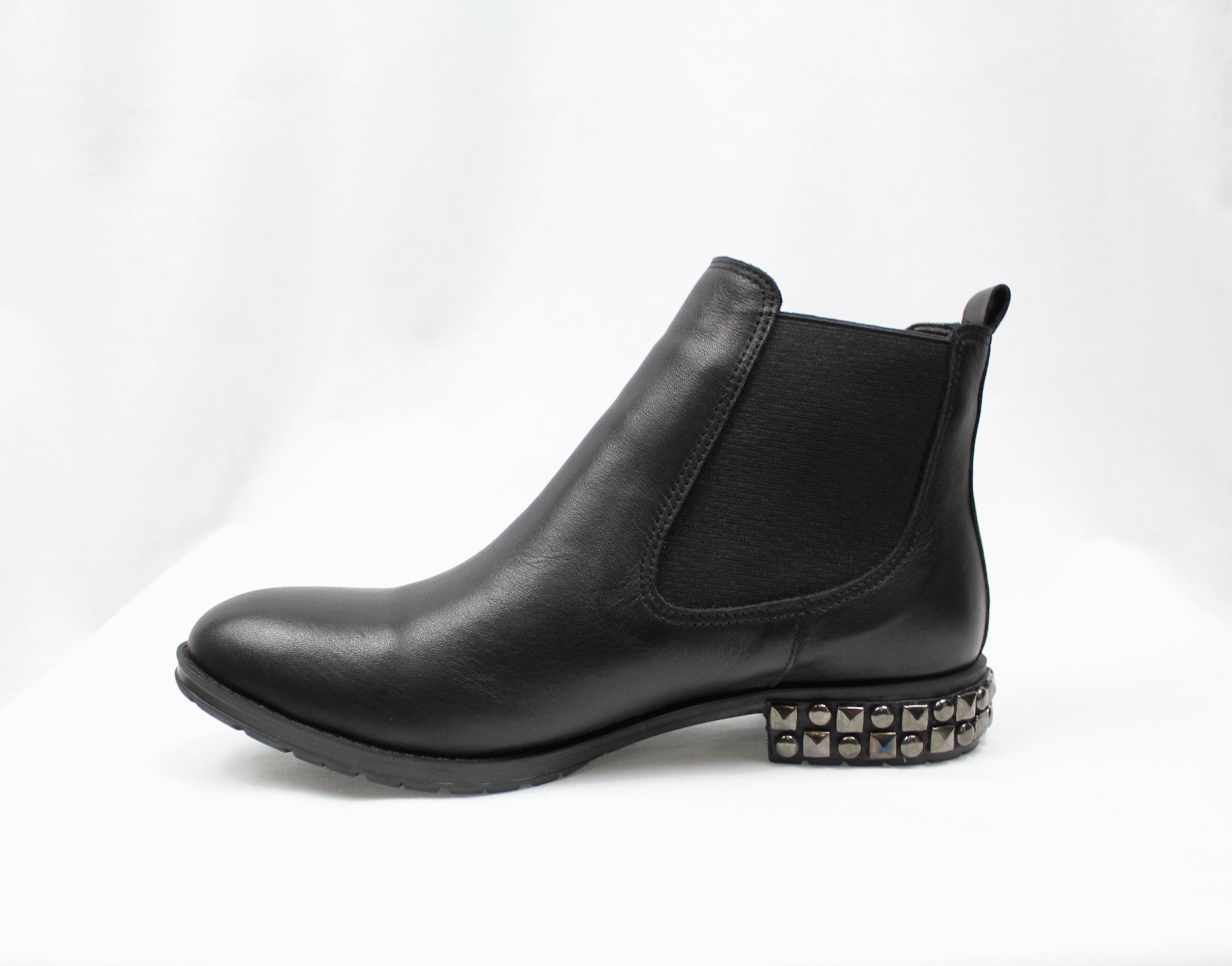"BUENO BUENO ""AXL"" Black Leather Chelsea Boot"