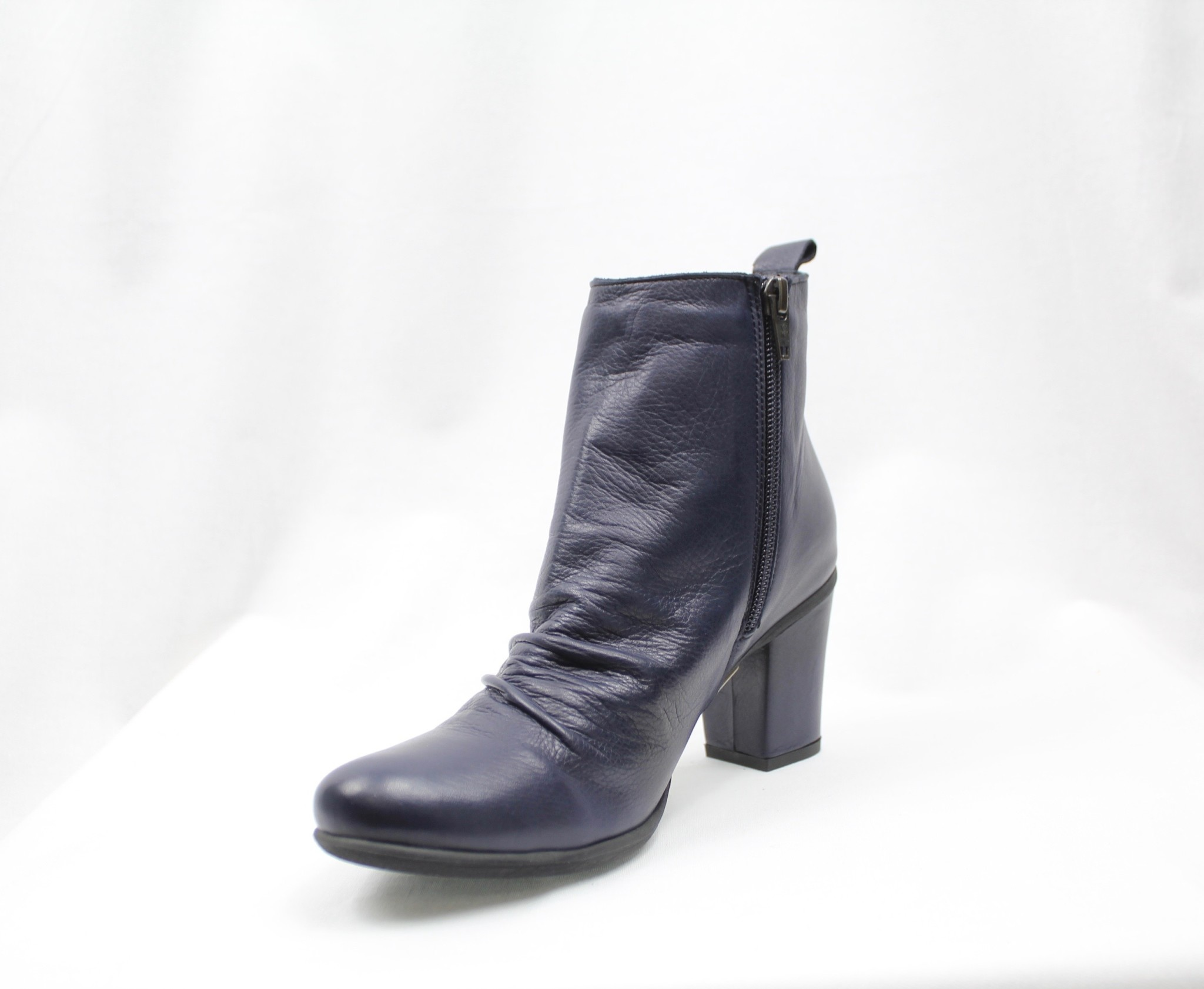 """BUENO BUENO """"YOUNG"""" Navy Leather Bootie  Reg. $175  Sale $135"""