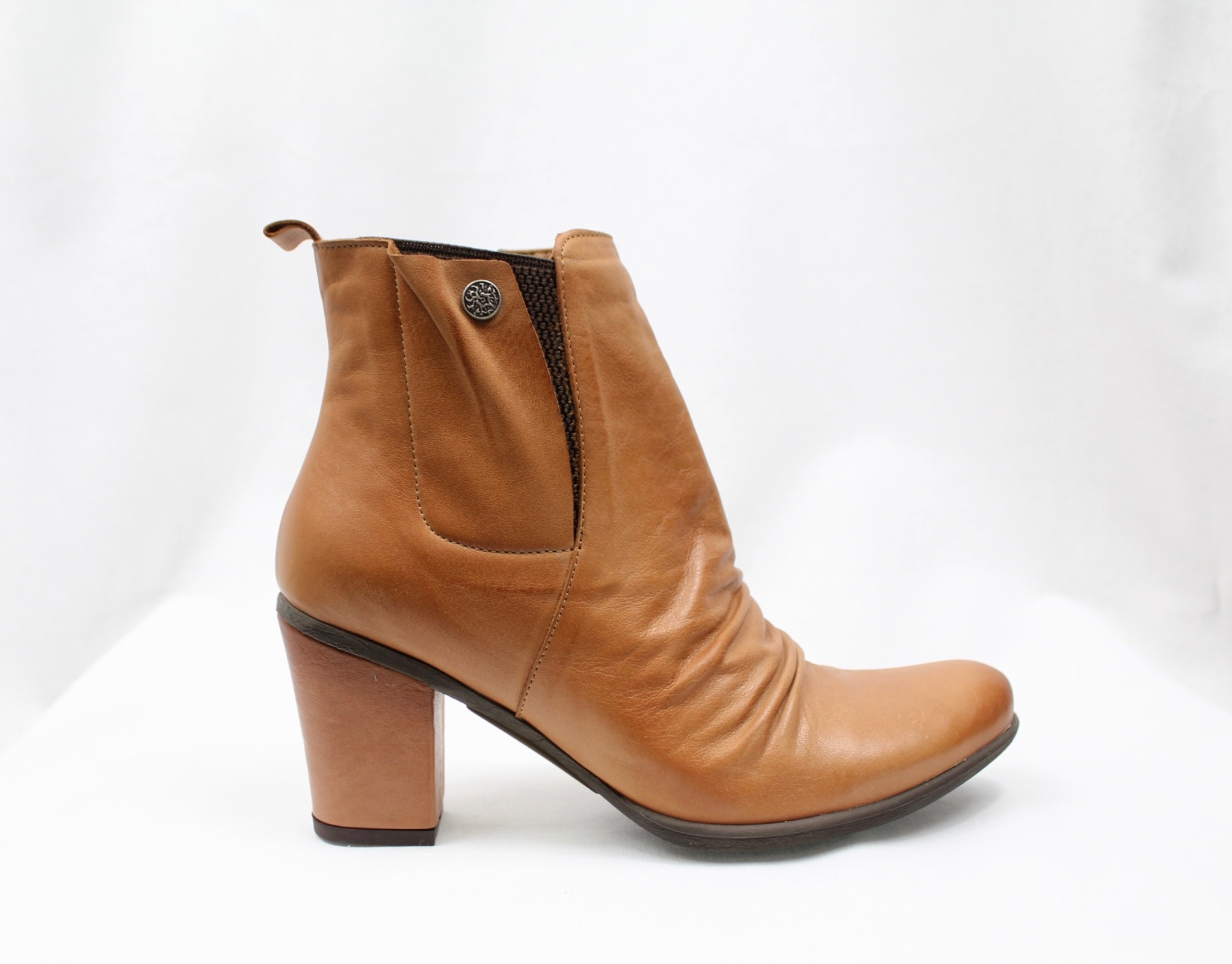 "BUENO BUENO ""YOUNG"" Tan Leather Bootie  Reg. $175  Sale $135"