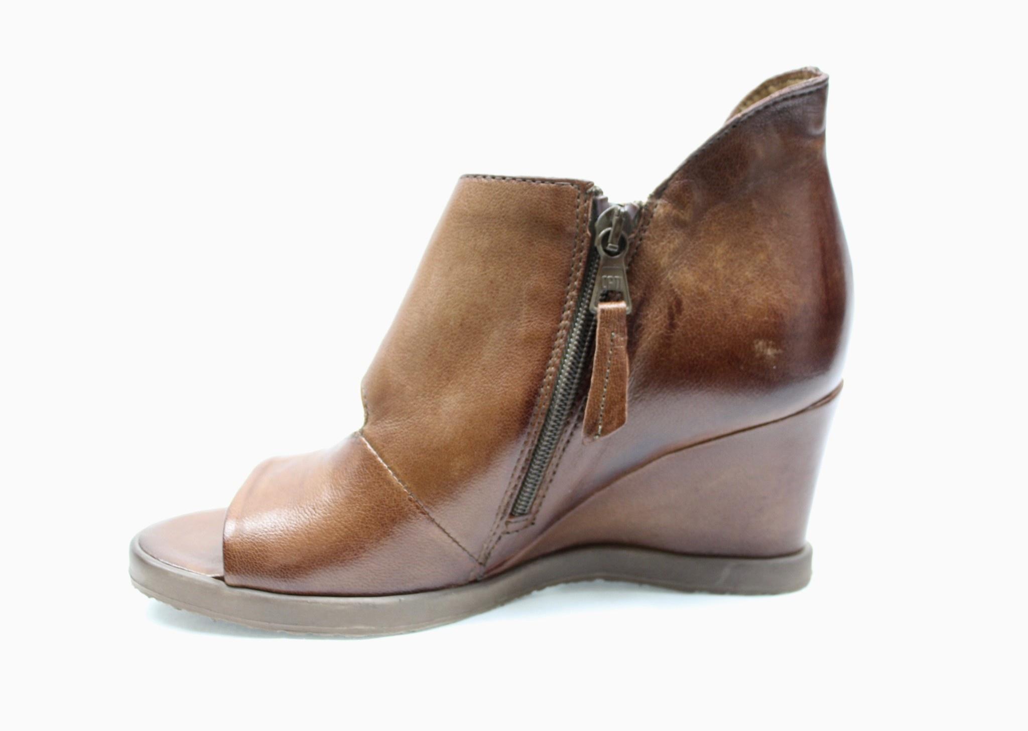 """MJUS MJUS 682040 """"Penny"""" (Cognac) Wedge Sandal"""