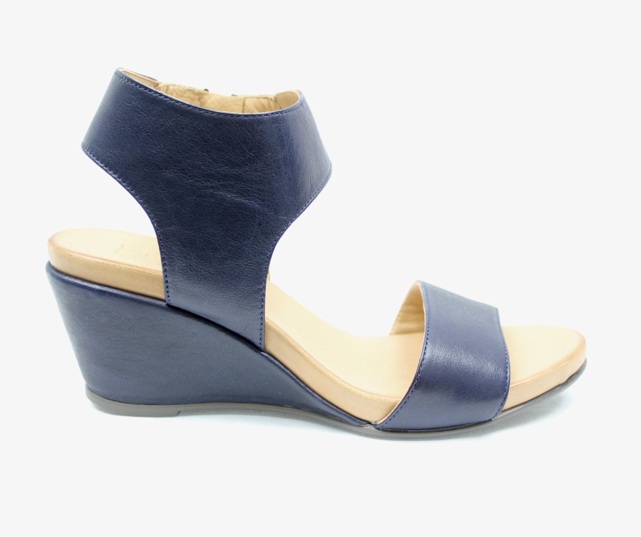 """BUENO BUENO """"IDA"""" Wedge Sandal"""