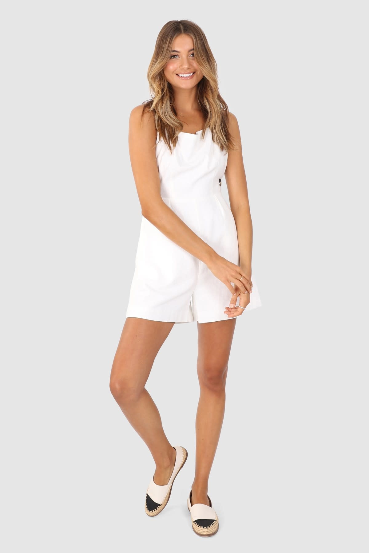 "LOST IN LUNAR LOST IN LUNAR ""ELENOR"" Linen Playsuit"