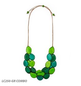 Tagua Amigas Necklace in Emerald Green