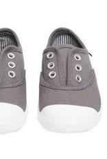 Chus Dylan in Grey