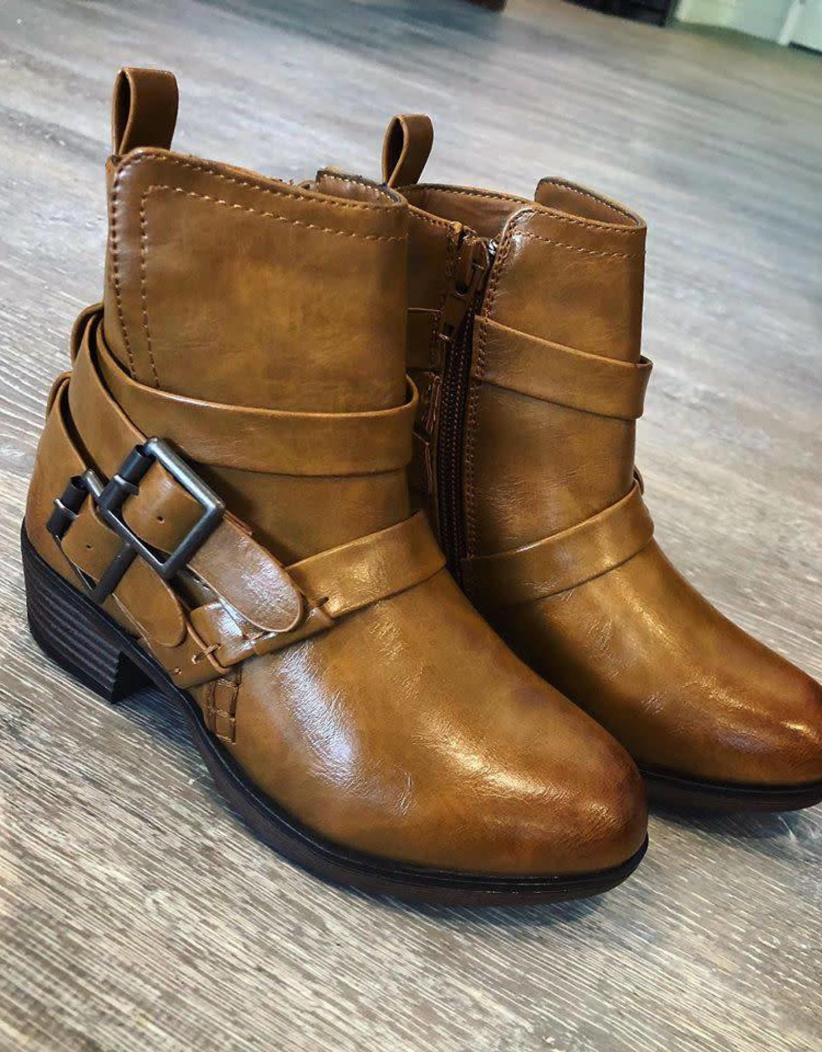 Zury Boot in Tan
