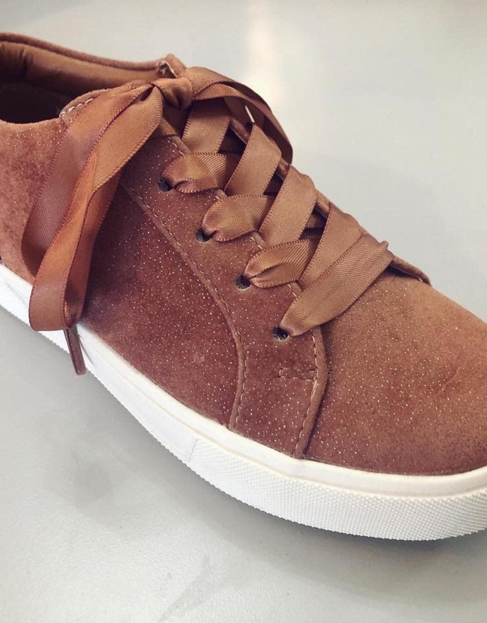 Volatile Tripp Velvet Lace Up Sneaker in Blush