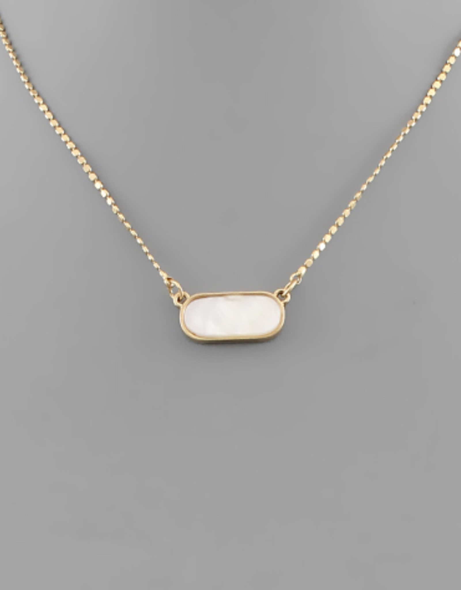 Oval Shell Necklace in Ivory
