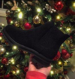 Chunky Chelsea Boot in Black