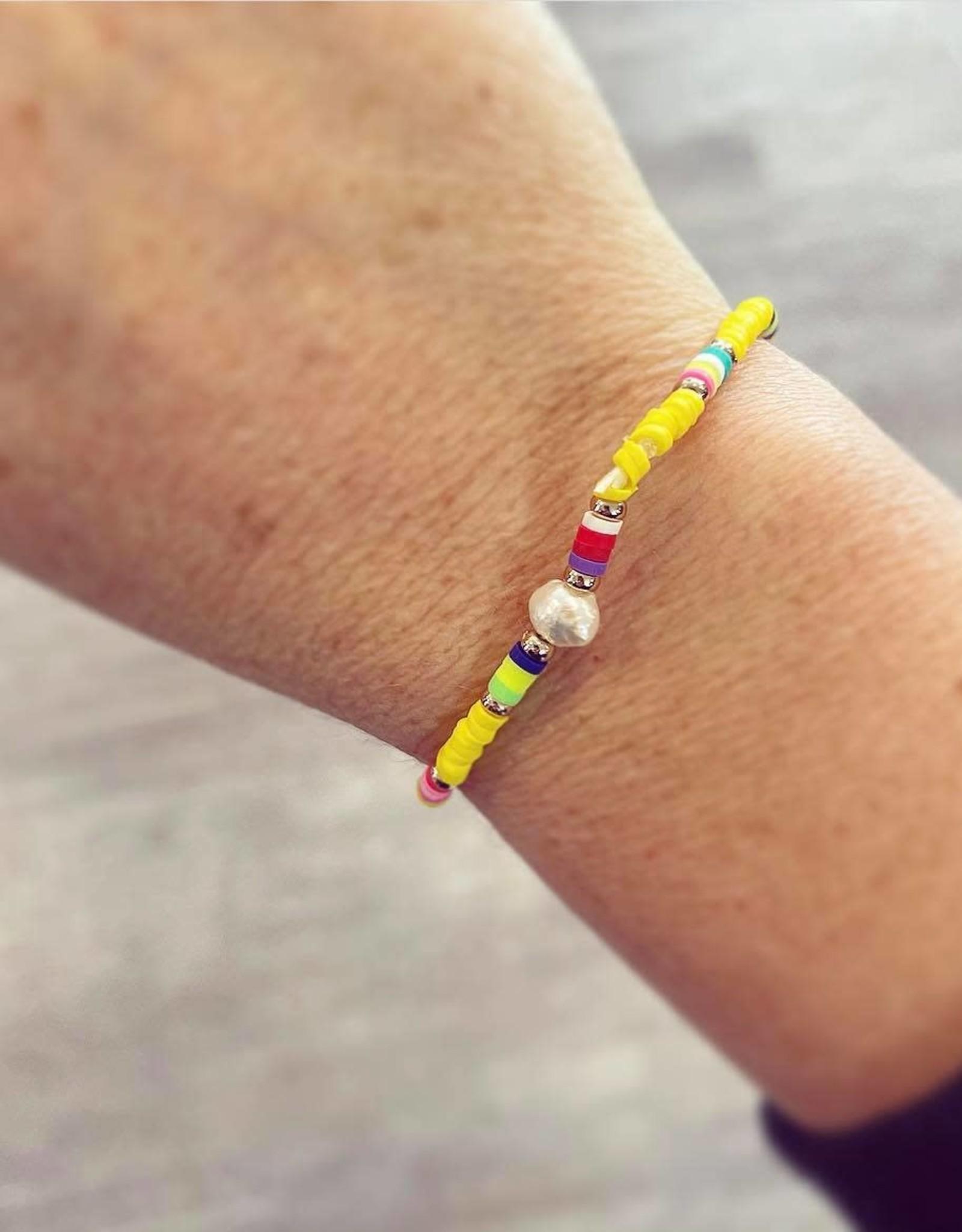 Single Pearl Bracelet in Yellow