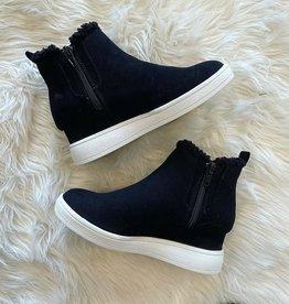 Mia Kids Olyvia Sneaker in Black