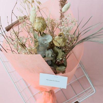 Elle aime les fleurs Dried flowers bouquet