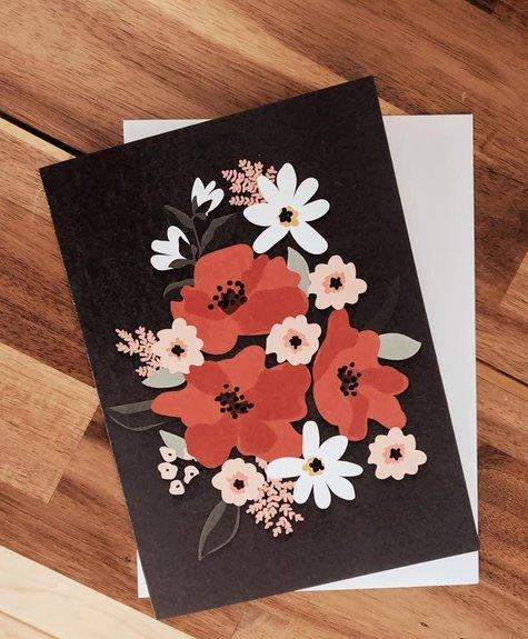 Mimi - Auguste Fleurs Rouges - Carte de souhaits