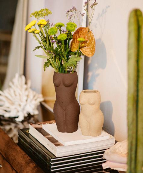 DOIY Body Vase - Brown