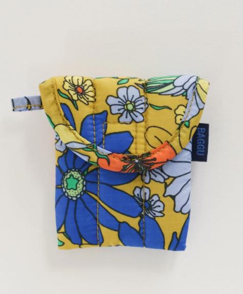 Baggu Airpods case - Wallpaper Floral