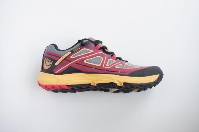 Topo Athletic Topo Hydroventure (Women) - Burgundy/Peach