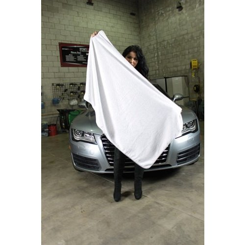Chemical Guys Canada MIC1021 - Cloud 9 Extra Large Microfiber Drying Towel with Silk Banding, 36'' x 52''