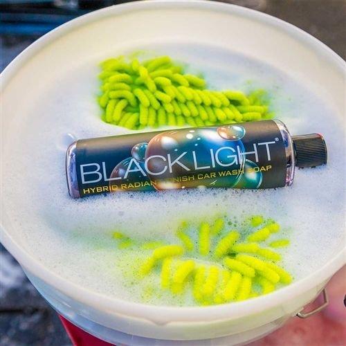 Chemical Guys Canada CWS61916 - Black Light Radiant Finish Car Wash Soap (16 oz)