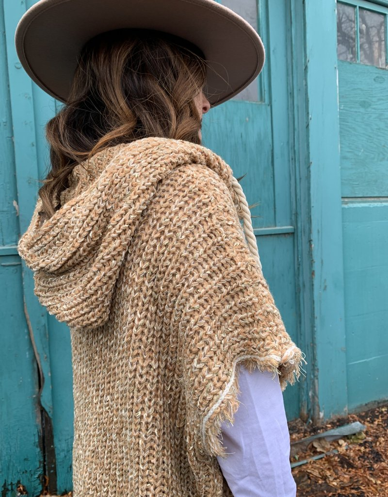 The Wandering WAgon Cable V neck sleevless sweater with hood detail  ET15544