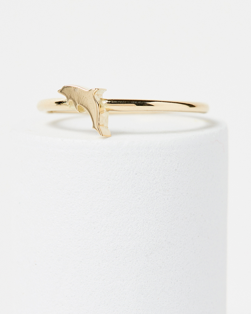 Nine Roses Dolphin Ring