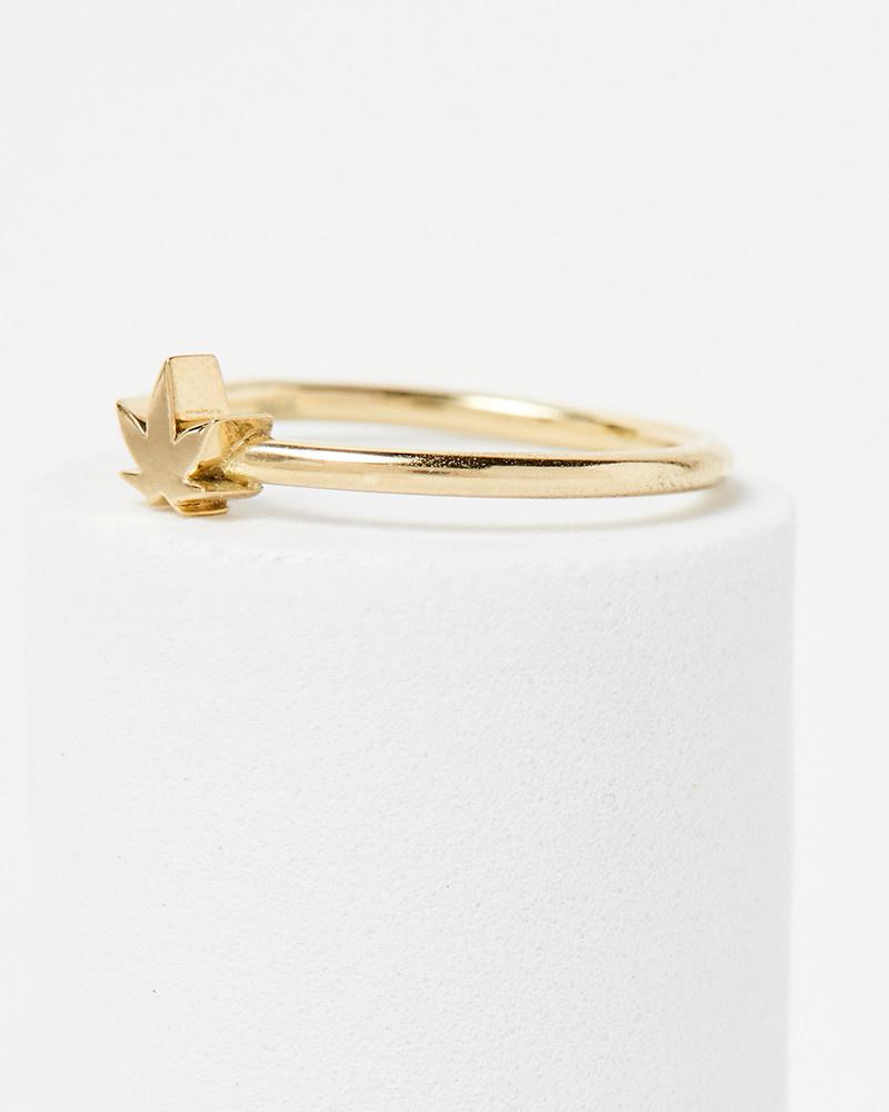 Nine Roses Leaf Ring
