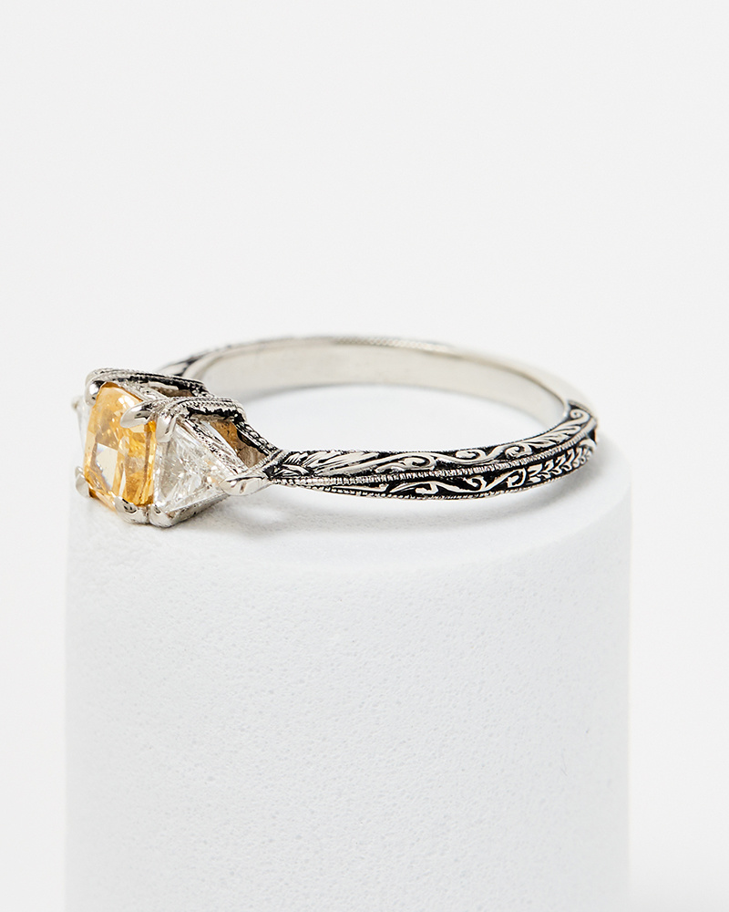 Nvit Blanche Three StoneYellow-Orange Diamond Ring