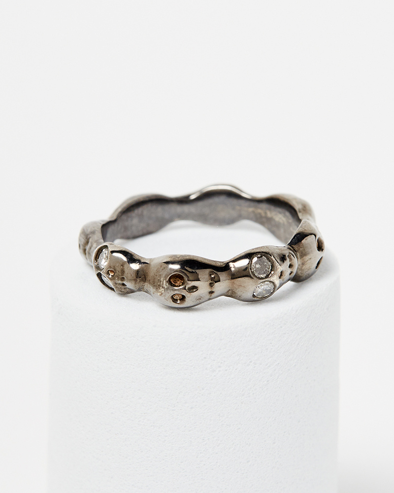 Nvit Blanche Skull Eternity Band