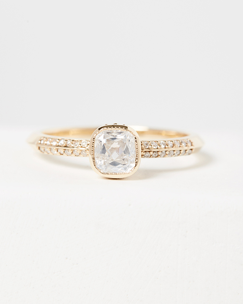 Nine Roses The Kennedy Ring