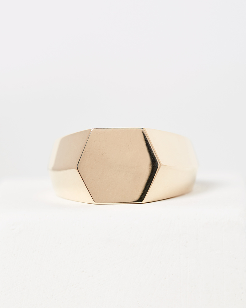 Nvit Blanche Hexagon Signet Ring