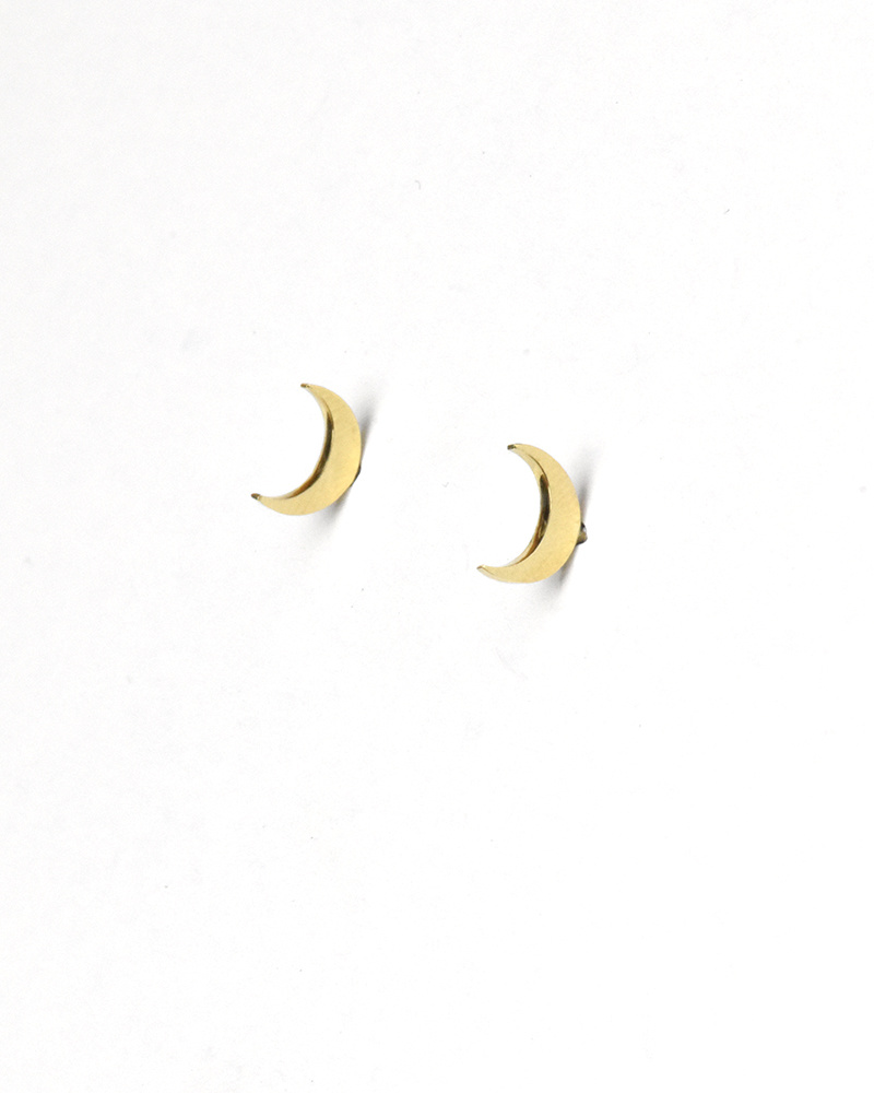 Jennie Kwon Dark Night Moon Stud (Single)