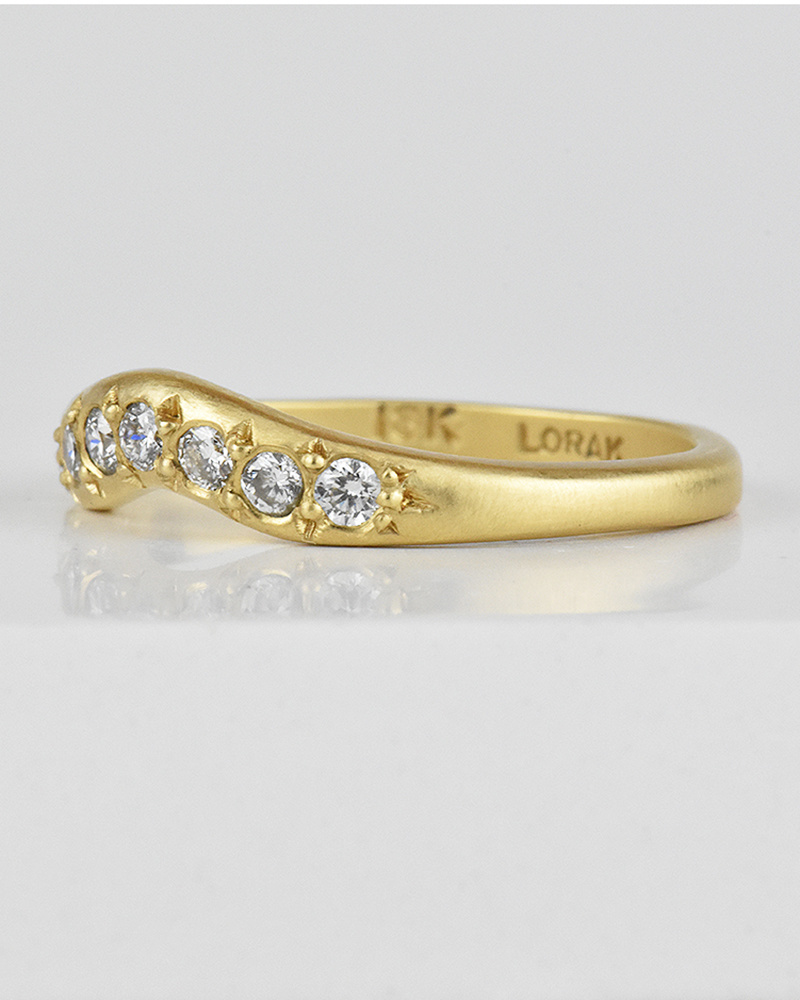 Lorak Contour Diamond Band