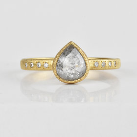 Yasuko Azuma Gray Pear Diamond Ring