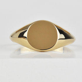 Nine Roses Dainty Signet Ring