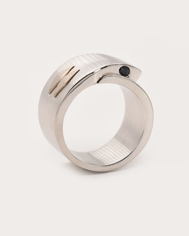 Nvit Blanche Cobra Ring