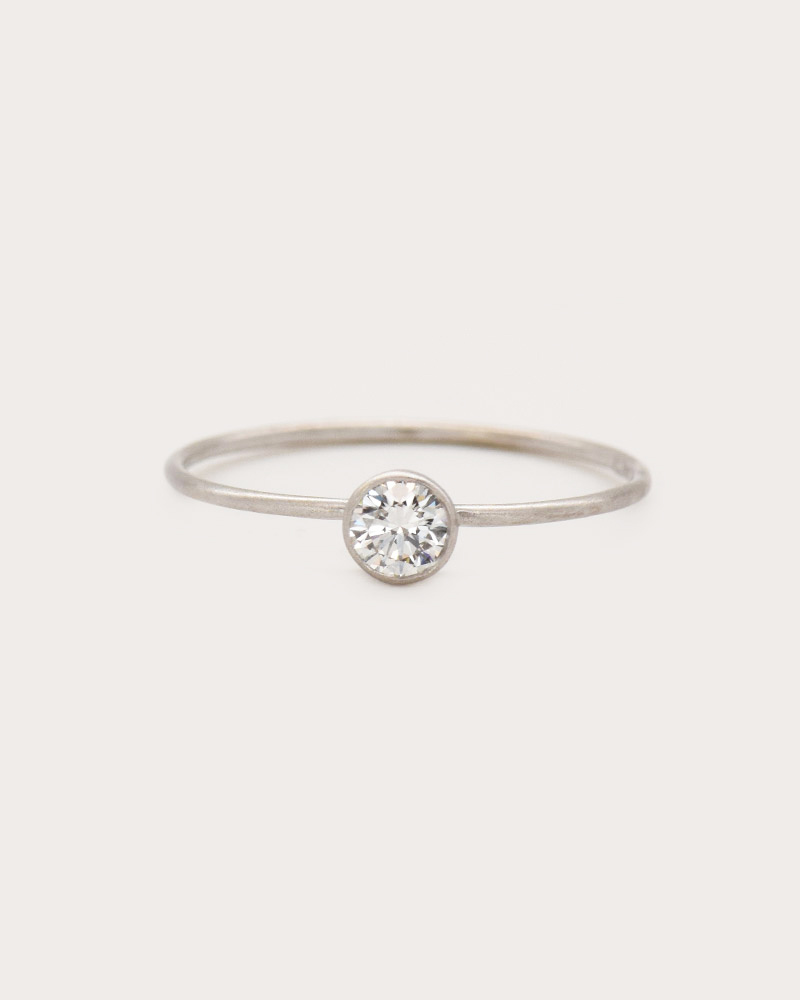 Nvit Blanche White Diamond Solitaire Ring
