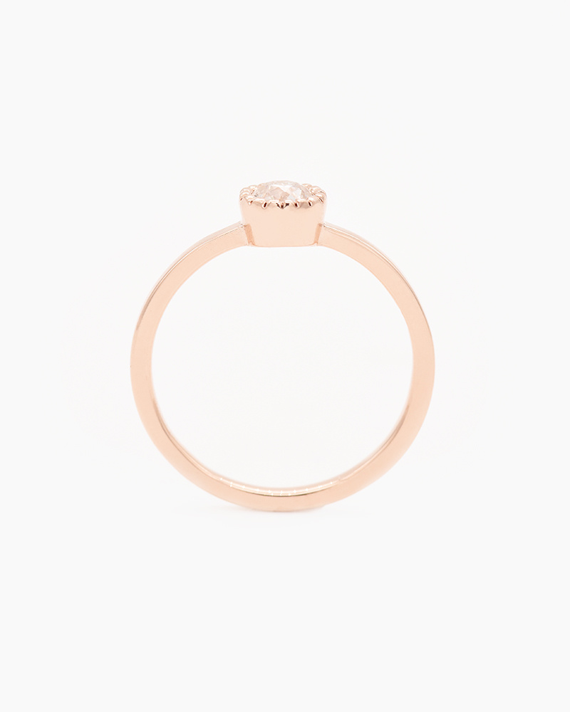 Nine Roses Rose Gold Milgrain Moss