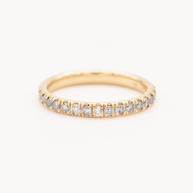 Nine Roses Classic Eternity Band — Gray Diamond