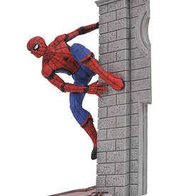 Marvel Diamond Select Toys ( Spider-Man ) Marvel Gallery
