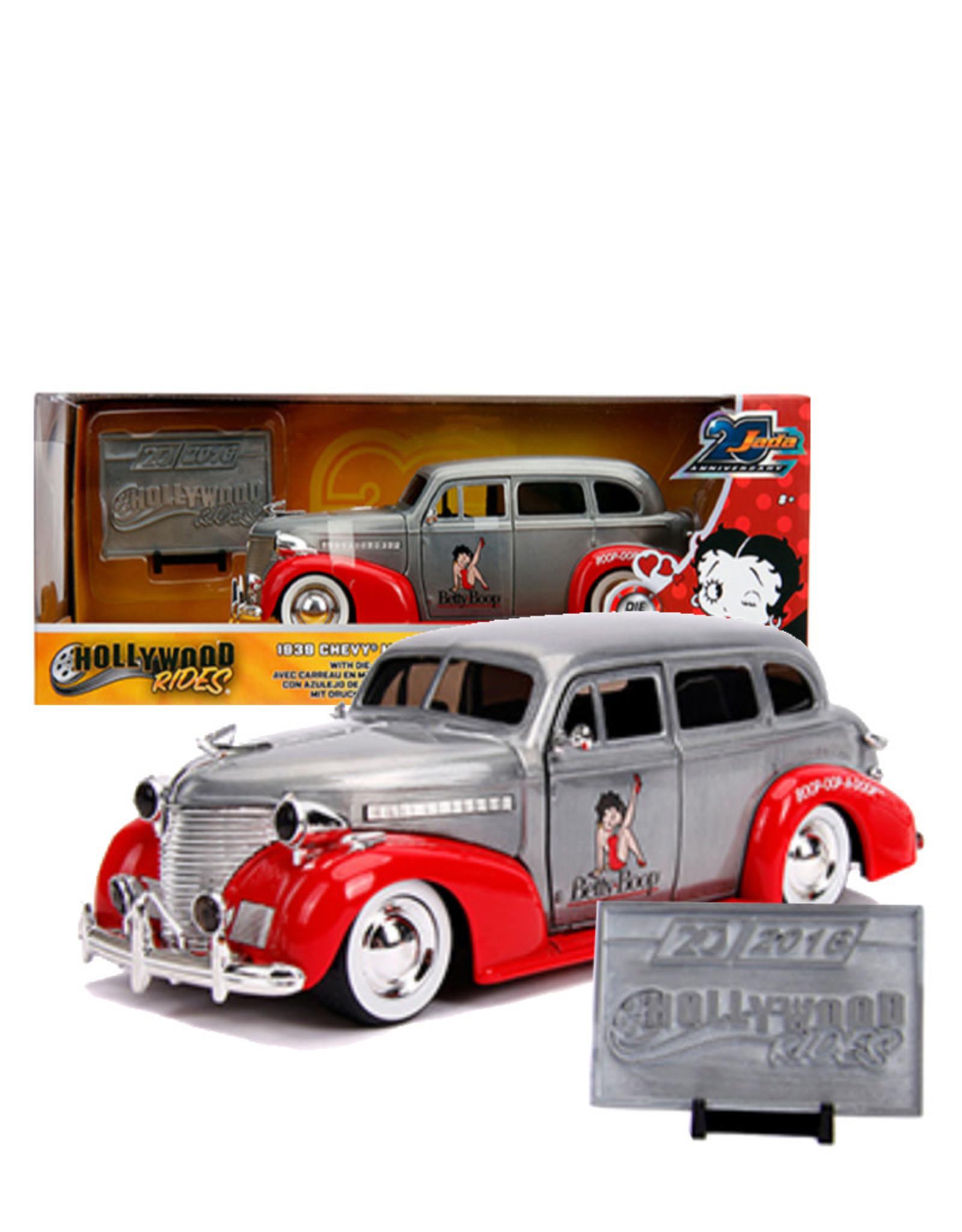 Betty Boop Betty Boop  ( Voiture de collection en métal 1:24 ) 1939 Chevy Master Deluxe