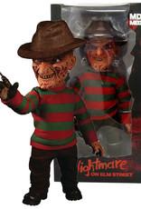 A Nightmare on Elm Street ( Figurine parlante MEZCO TOYS ) Freddy Krueger