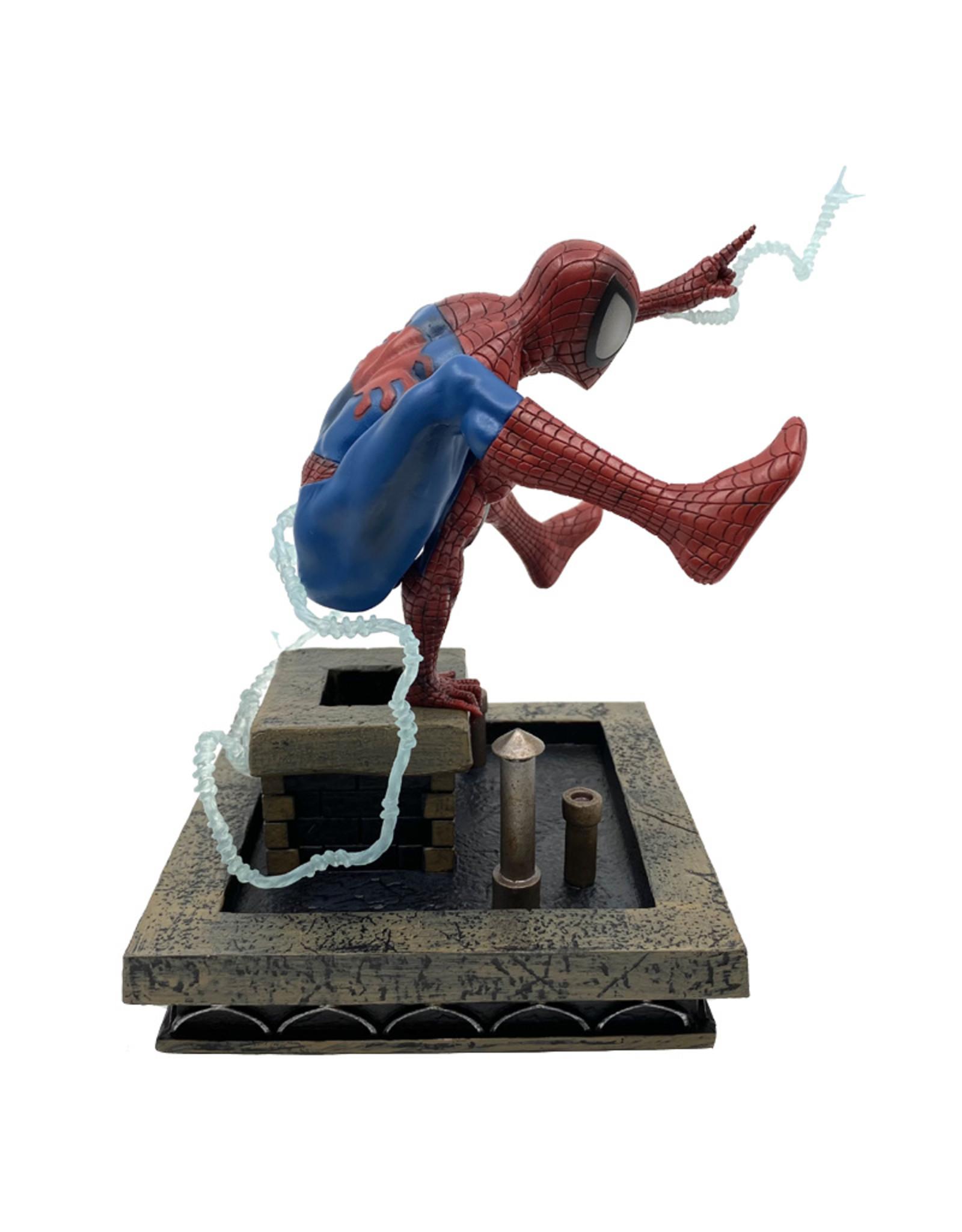 Marvel ( Diamond Select Toys Figurine ) Spider-Man