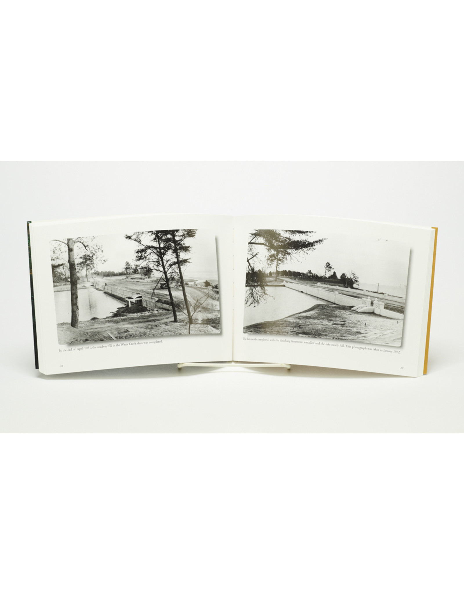 Mariners' Museum Park Book: The Making of an Urban Oasis