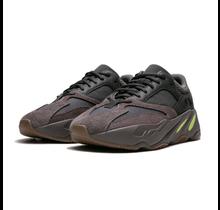 Adidas x Yeezy 700 Mauve Size 10.5 | EE9614