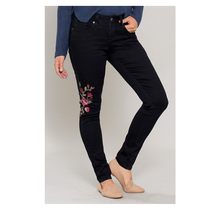 Women's Floral Embroidery Skinny Jean