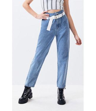 TWINN Cinch Belted Jean