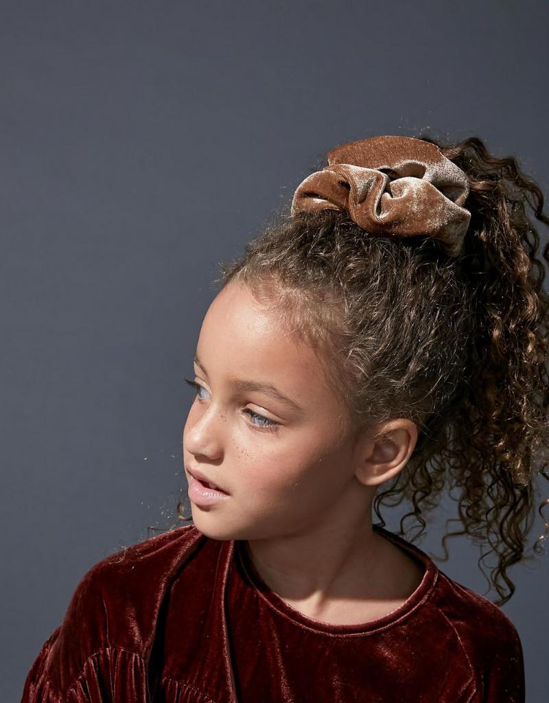 Knot Knot Clef Velvet Scrunchie