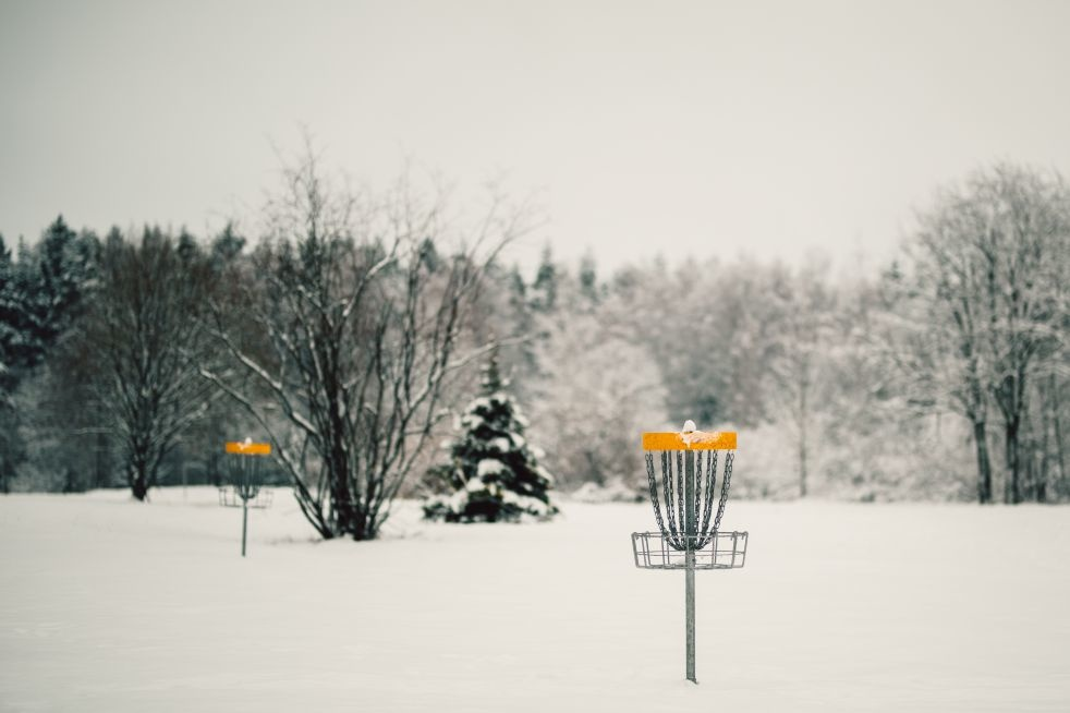 Disc golf net in the winter time