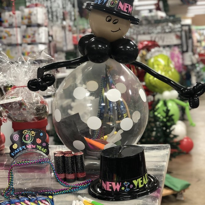 $20.21 NYE stuffed party balloon for 5