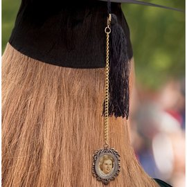 Graduation Cap Photo Chain